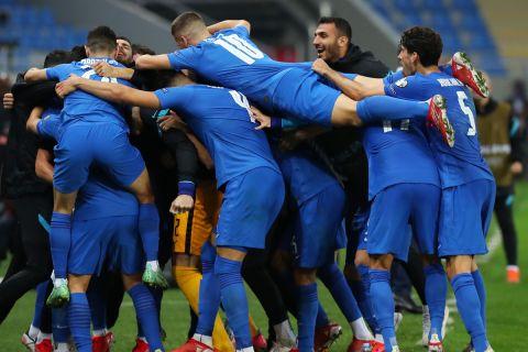 Οι παίκτες της Ελλάδας πανηγυρίζουν μετά το γκολ του Μπακασέτα στο Γεωργία - Ελλάδα | 9 Οκτωβρίου 2021