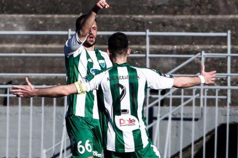 Οι παίκτες του Λεβαδειακού πανηγυρίζουν γκολ κόντρα στα Τρίκαλα για την 5η αγωνιστική της Super League 2.