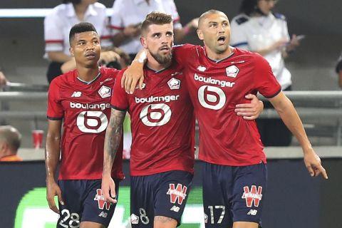 """Παίκτες της Λιλ πανηγυρίζουν γκολ που σημείωσαν κόντρα στην Παρί για το Trophée des Champions 2021 στο """"Μπλούμφιλντ Στέιντιουμ"""", Τελ Αβίβ   Κυριακή 1 Αυγούστου 2021"""