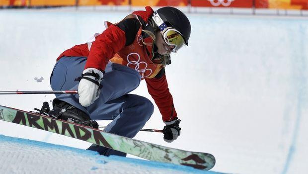 H Ελίζαμπεθ Σουάνι συμμετείχε στο half-pipe skiing χωρίς να ξέρει... σκι!