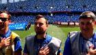 Άγγλοι κάμεραμεν υποδύθηκαν τους παίκτες και τραγούδησαν τον εθνικό ύμνο!