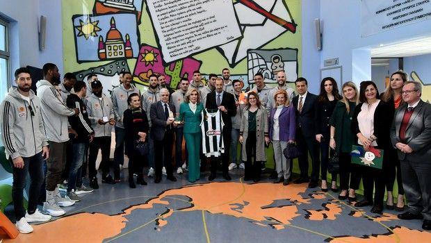 Παναθηναϊκός: Επίσκεψη στην Ογκολογική Μονάδα Παίδων