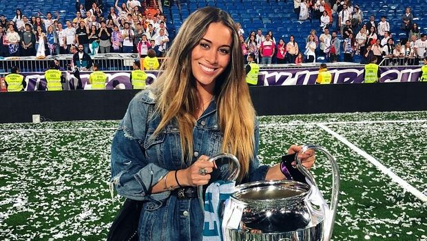 Η κόρη του Ιέρο παροτρύνει τους παίκτες της εθνικής Ισπανίας: