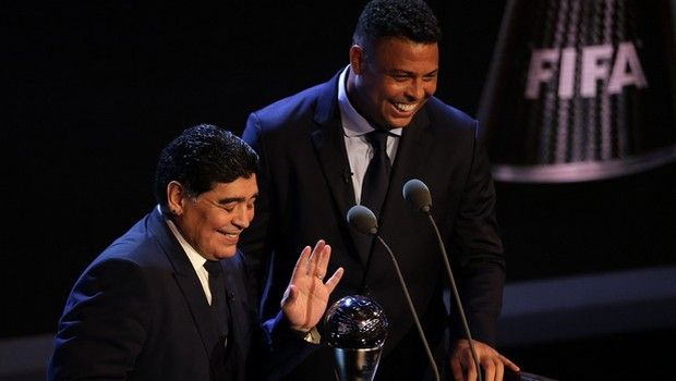Ρονάλντο και Μαραντόνα σε εκδήλωση της FIFA