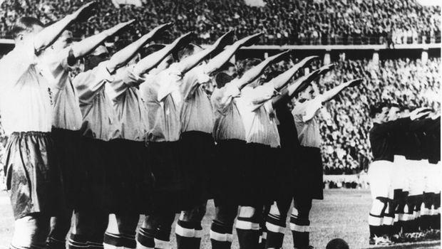Αδόλφος Χίτλερ: Πώς χρησιμοποίησε το ποδόσφαιρο μέχρι την αυτοκτονία του