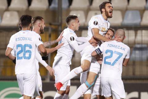Οι παίκτες της Ριέκα πανηγυρίζουν γκολ που σημείωσαν κόντρα στη Νάπολι για τους ομίλους του Europa League