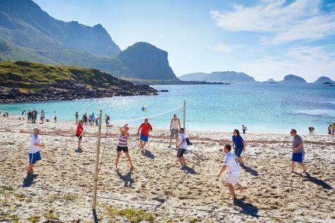 Ρακέτες και μπάλες για ατελείωτο παιχνίδι στην παραλία