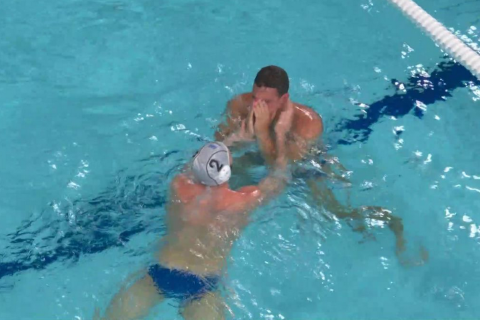 Ελλάδα - Ουγγαρία: Συγκλόνισαν τα δάκρυα του Δερβίση μέσα στην πισίνα για την πρόκριση στον τελικό