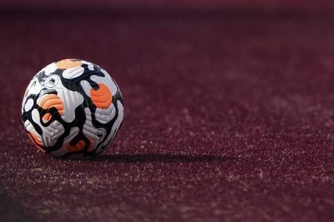 Μπάλα ποδοσφαίρου σε αναμέτρηση της Premier League Γουέστ Χαμ - Μπρέντφορντ