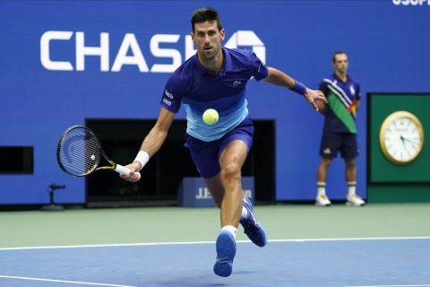 Ο Νόβακ Τζόκοβιτς σε προσπάθειά του από τον τελικό του US Open κόντρα στην Μεντβέντεφ   12 Σεπτεμβρίου 2021