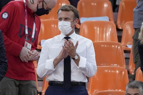 Ο Εμανουέλ Μακρόν στη διάρκεια των Ολυμπιακών Αγώνων του Τόκιο