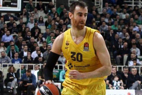 Ο Βίκτορ Κλαβέρ σε στιγμιότυπο από τον αγώνα Παναθηναϊκός - Μπαρτσελόνα για την EuroLeague της σεζόν 2019/20