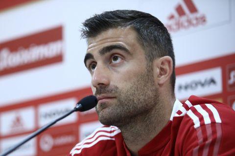 Ο Σωκράτης Παπασταθόπουλος στη διάρκεια της συνέντευξης Τύπου για το ματς με τη Σλόβαν | 18 Αυγούστου 2021