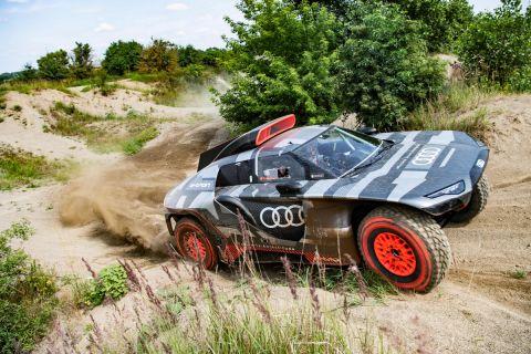 Ετοιμάζεται το ηλεκτρικό Audi RS Q e-tron για το ράλι Ντακάρ
