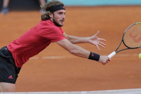 Ο Στέφανος Τσιτσιπάς σε προσπάθειά του στο Madrid Open του 2021