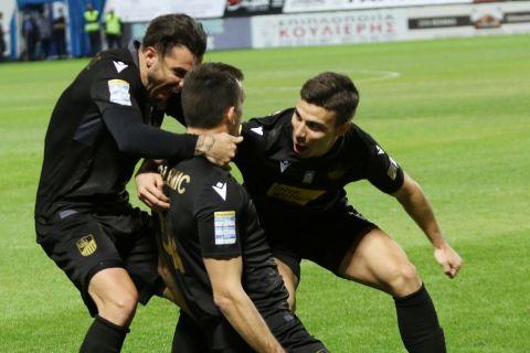 Οι παίκτες της Λαμίας πανηγυρίζουν το γκολ του Γκόλεμιτς