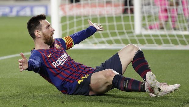 dfe450ebd877 Λιονέλ Μέσι  Ισπανική αποθέωση στον μπαμπά του ποδοσφαίρου ...