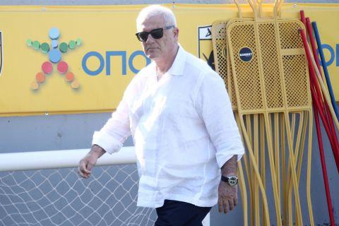 Ο Δημήτρης Μελισσανίδης στο προπονητικό κέντρο της ΑΕΚ στα Σπάτα