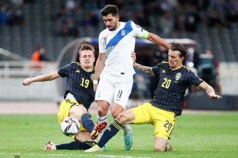 Ο Τάσος Μπακασέτας στον αγώνα Ελλάδα - Σουηδία