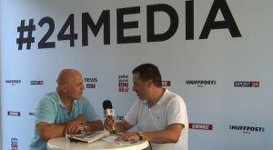 Ο γενικός διευθυντής του 6ου Διεθνούς Νυχτερινού Ημιμαραθωνίου Θεσσαλονίκης στο περίπτερο της 24MEDIA