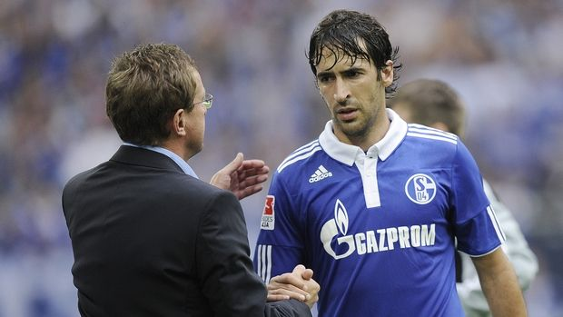 Schalke's Raul of Spain is changed out by Schalke's head coach Ralf Rangnick during the German first division Bundesliga soccer match between FC Schalke 04 and FC Cologne in Gelsenkirchen, Germany, Saturday, Aug. 13, 2011. (AP Photo/Martin Meissner)   NO MOBILE USE UNTIL 2 HOURS AFTER THE MATCH, WEBSITE USERS ARE OBLIGED TO COMPLY WITH DFL-RESTRICTIONS, SEE INSTRUCTIONS FOR DETAILS