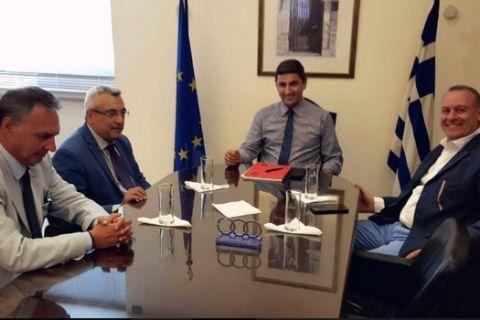 Το οικονομικό και τα τηλεοπτικά στην ατζέντα συνάντησης Αυγενάκη με ΕΣΑΠ