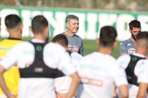 Ο Γιάννης Βονόρτας σε προπόνηση του Παναθηναϊκού Β' για τη σεζόν 2021-22