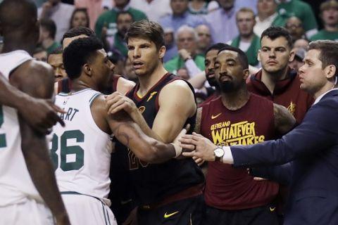 Καβγάς μεταξύ Morris - Nance Jr. στη Βοστώνη