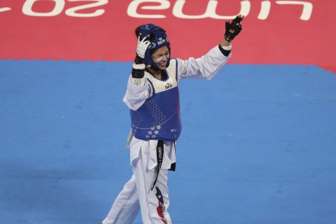 Η Χιλιανή πρωταθλήτρια του τάε κβον ντο, Φερνάντα Αγκίρε