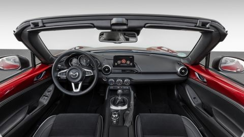 Τo Mazda ΜΧ-5 με νέες εκδόσεις εξοπλισμού