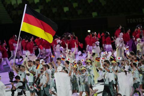 Η Γερμανία στην παρέλαση των Ολυμπιακών Αγώνων
