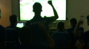 Ολυμπιακός: Οι έξαλλοι πανηγυρισμοί των παικτών της Κ19 στην απόκρουση του Σα