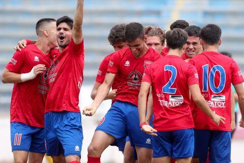 Οι παίκτες του Πανιωνίου πανηγυρίζουν γκολ που πέτυχαν στον αγώνα με τον Φωστήρα