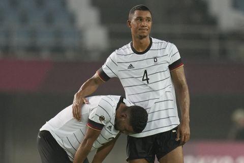 Οι παίκτες της Γερμανίας είναι απογοητευμένοι μετά την ισοπαλία με την Ακτή Ελεφαντοστού στους Ολυμπιακούς Αγώνες του Τόκιο