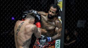 Cosmo Alexandre: «Πήγα στην Ταϊλάνδη και κοιμόμουν στους δρόμους για να μάθω Muay Thai»