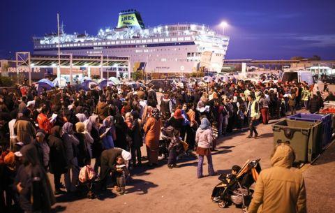 Για 18η μέρα δίπλα στους πρόσφυγες ο Ολυμπιακός