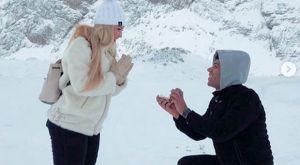 Ο Ρόσα έκανε πρόταση γάμου στην αγαπημένη του στα χιόνια!