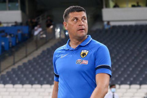 Ο Βλάνταν Μιλόγεβιτς στο φιλικό της ΑΕΚ κόντρα στον Απόλλωνα Λεμεσού