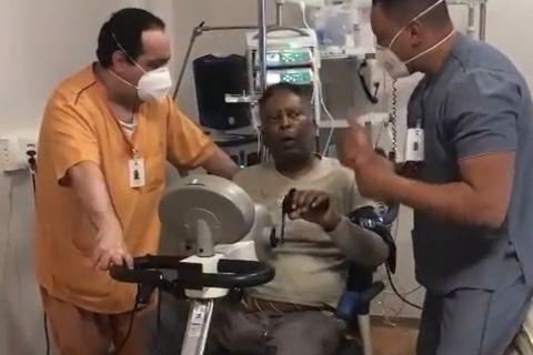 Ο Πελέ κάνει ασκήσεις με ποδήλατο και συνεχίζει να αναρρώνει