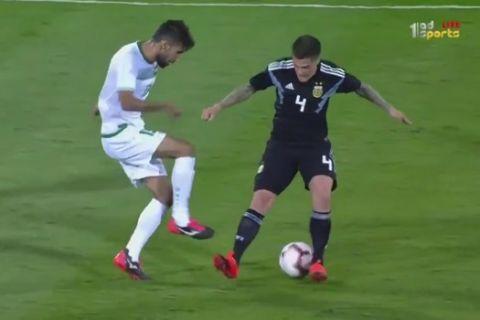 Ιρακινός κάνει ρεζίλι με ντρίμπλες δύο Αργεντινούς διεθνείς!