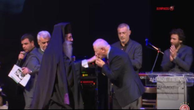 Ολυμπιακός: Η Ιερά Μητρόπολη Πειραιώς τίμησε τον Βαγγέλη Μαρινάκη