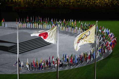 Οι σημαίες των 205 χωρών στο Ολυμπιακό Στάδιο κατά την Τελετή Λήξης