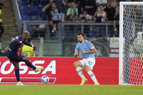 Ο Κειτά Μπαλντέ σκοράρει κόντρα στη Λάτσιο στη Serie A