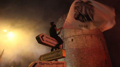PHOTOSTORY: Οι πανηγυρισμοί των φίλων του ΠΑΟΚ στον Λευκό Πύργο