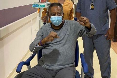 Ο Πελέ από το νοσοκομείο στο Σάο Πάολο