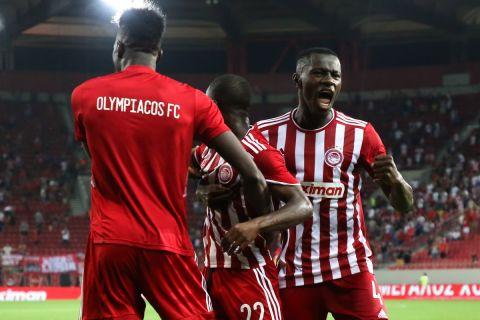 Ο Αγκιμπού Καμαρά και ο Μαντί Καμαρά πανηγυρίζουν το 1-1 στο Ολυμπιακός - Λουντογκόρετς   3 Αυγούστου 2021