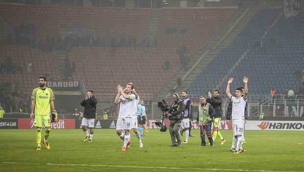 Video με την αποθέωση των παικτών της ΑΕΚ στο τέλος του αγώνα με τη Μίλαν
