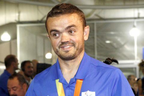 Ο Μπακοχρήστος με το χάλκινο μετάλλιο στο στήθος μετά τους Ολυμπιακούς Αγώνες του Ρίο