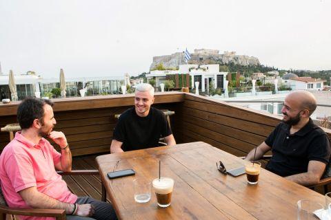 Ο Αλέξανδρος Κατράνης μαζί με τους Πέτρο Παπαμακάριο και Ηλία Καλλονά στη συνέντευξη στο SPORT24
