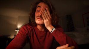 Ο Τσιτσιπάς περιγράφει με δάκρυα του παρολίγον πνιγμού του